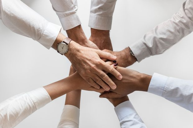 collaboration-cooperation-friendship-872955